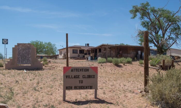 A sign warning non-residents to stay out is seen on the Navajo Nation, Ariz., on May 24, 2020. (Mark Ralston/AFP via Getty Images)