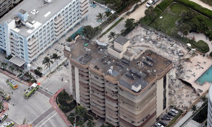 Part of the 12-story oceanfront Champlain Towers South Condo, with more than 100 units at 8777 Collins Ave. in Surfside, Florida, collapsed early on June 24, 2021. (Amy Beth Bennett/South Florida Sun Sentinel/TNS)