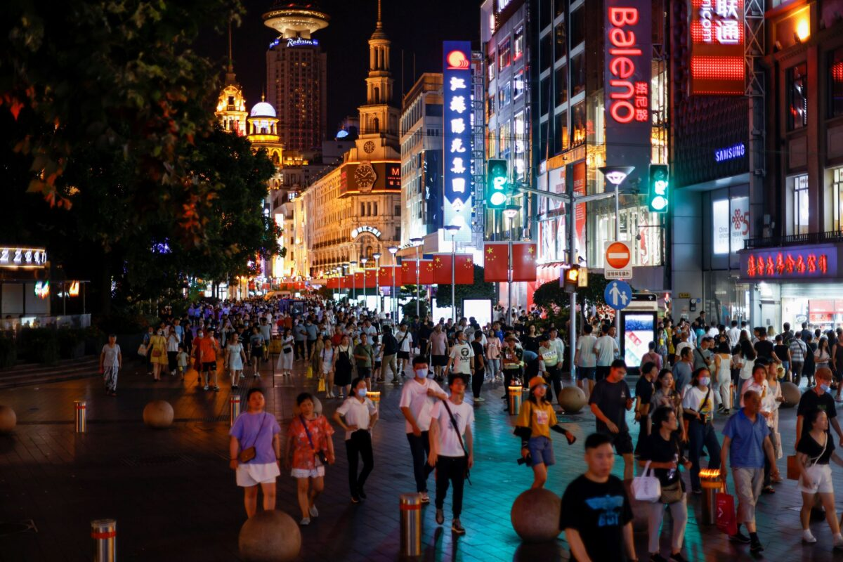 people-visit-shopping-area