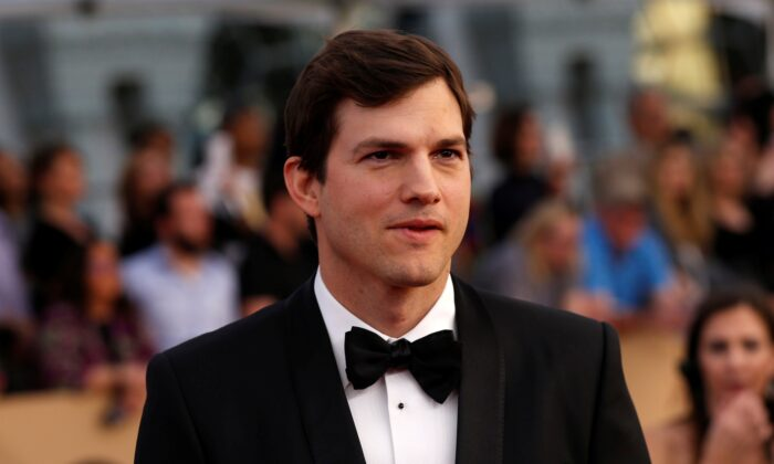 Actor Ashton Kutcher arrives at the 23rd Screen Actors Guild Awards in Los Angeles, Calif., on Jan. 29, 2017. (Mario Anzuoni/Reuters)