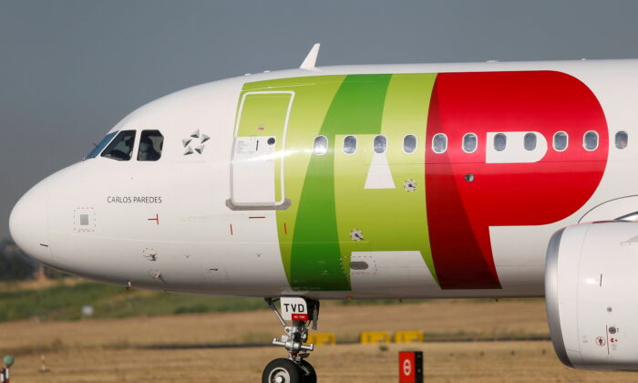 A TAP Air Portugal plane taxis at Lisbon's airport during the coronavirus disease (COVID-19) outbreak, in Lisbon, Portugal, on July 17, 2020. (Rafael Marchante/File Photo/Reuters)