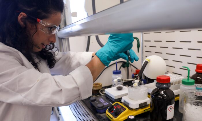 Chemist Jeanine Yaboub works at Psilera Bioscience, a Tampa, Fla., startup that is researching healing properties in psychedelics. (Ivy Ceballo/Tampa Bay Times/TNS)