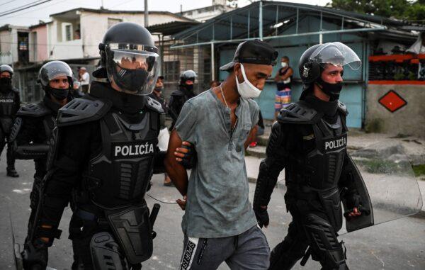 TOPSHOT-CUBA-POLITICS-DEMONSTRATION
