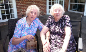 British Twins Aged 101 Meet Each Other Every Week Despite Living 80 Miles Apart