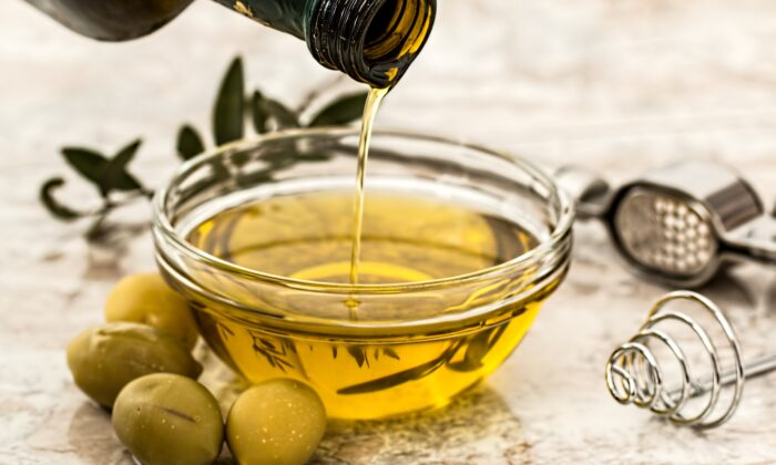 Olive oil is consumed at the rate of 90 million gallons annually in the United States, according to American Olive Oil Producers Association. (Pixabay/CC0)
