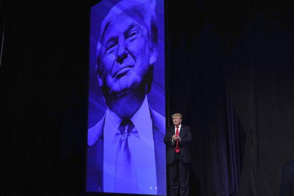 Trump in Arizona