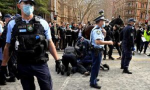 Sydney Police Calls for Army to Help Enforce Lockdown Rules