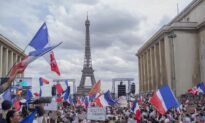 COVID-19 Vaccine Pass Mandate Approved by French Parliament Amid Widespread Protests