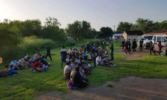 Border Patrol detains a group of 298 illegal aliens in La Grulla, Texas, on July 17, 2021. (CBP)