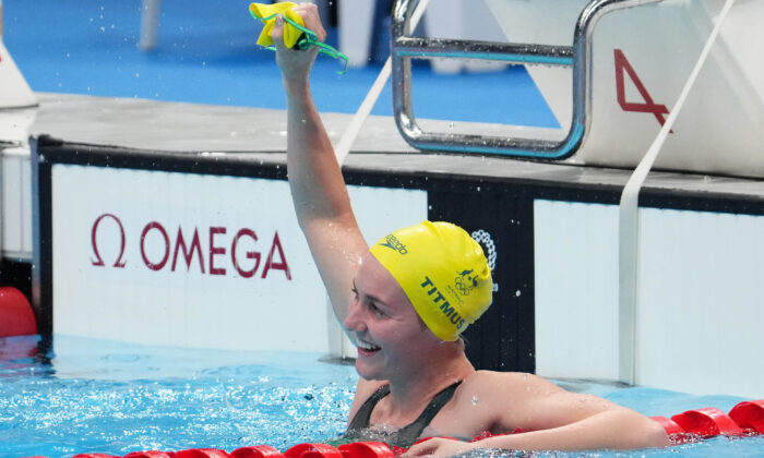 Ariarne Titmus (AUS) celebrates after winning the women's 400m freestyle final during the Tokyo 2020 Olympic Summer Games at Tokyo Aquatics Centre on Jul 26, 2021. (Robert Hanashiro-USA TODAY Sports)