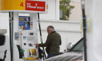 US Gas Prices Dip After Soaring Amid Summer Travel
