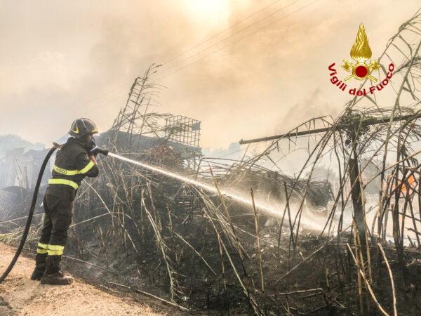 firefighter-battles-flames