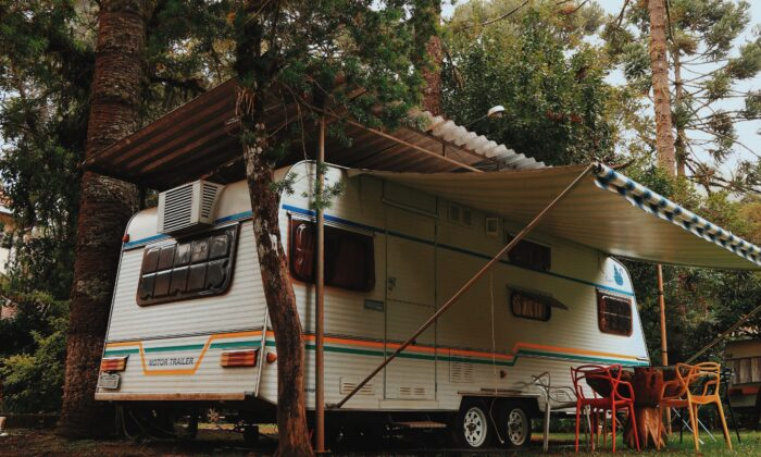 Living full time in a RV has its pro's and con's, but being able to just pack a few things and move somewhere else at a moments notice is nice. (Matheus Bertelli/Pexels)