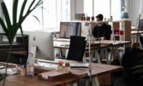 How to Maintain Productivity in New Surroundings