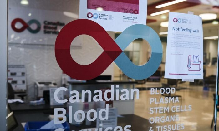A blood donor clinic pictured at a shopping mall in Calgary on March 27, 2020. (The Canadian Press/Jeff McIntosh)