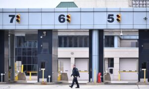 Border Workers' Union, Employers to Return to Bargaining Table After Strike Threat