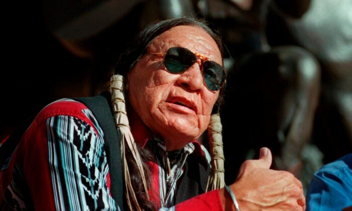 Saginaw Grant, veteran actor and writer, responds to a question during a news conference, at the Gene Autry Museum in Los Angeles, Calif., on Feb. 18, 2000. (E.J. Flynn/AP Photo)