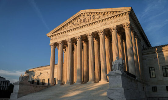 Indiana University Students Ask Supreme Court to Block Vaccine Mandate