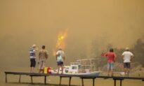 Tourists Flee as Wildfires Threaten Turkish Beach Resorts