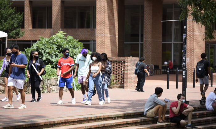Students walk through the campus of the University of North Carolina at Chapel Hill in North Carolina on Aug. 18, 2020. (Melissa Sue Gerrits/Getty Images)