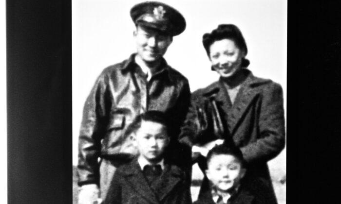 Moon Chen, his wife Priscilla, and their sons William Chen (R) and Bob Chen. (Courtesy of William Chen)