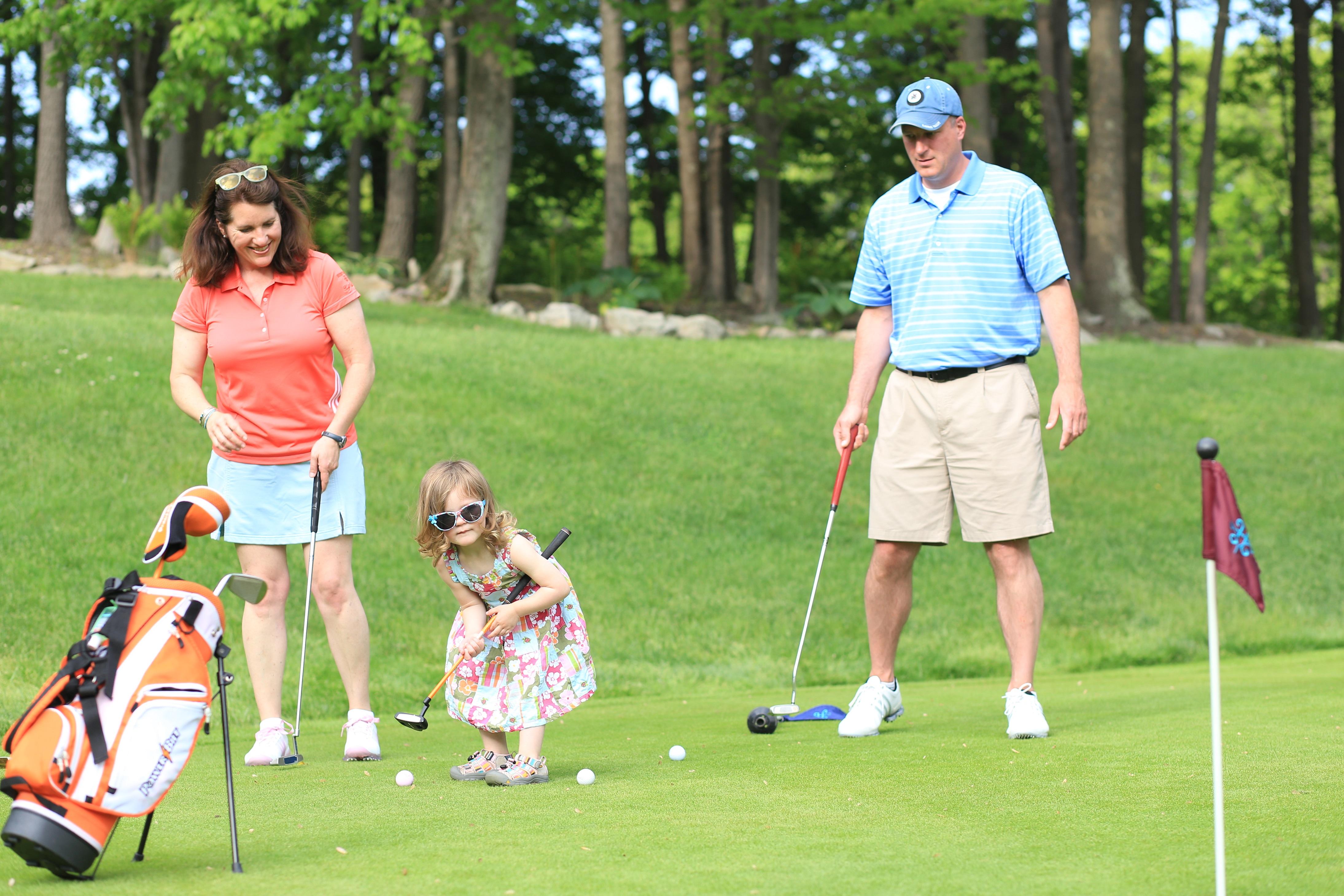 14_golf_family