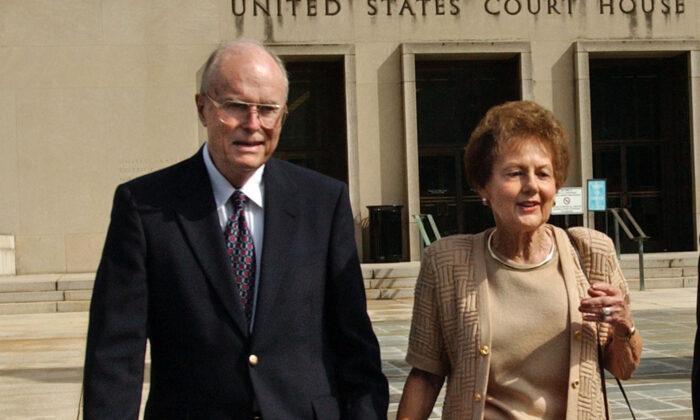 Jack (L) and Jo Ann Hinckley, parents of John Hinckley, leave the U.S. Courthouse in Washington after a hearing regarding John Hinckley's visitation privileges, on Sept. 2, 2003. (Gerald Herbert/AP Photo)