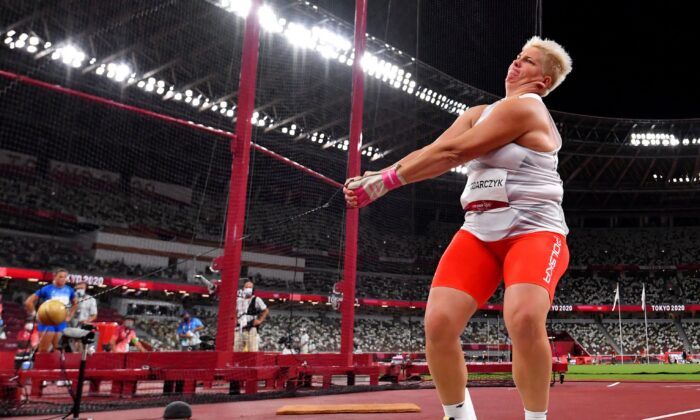 Anita Wlodarczyk of Poland in action during the Women's Hammer Throw at the Tokyo 2020 Olympics in Tokyo, Japan on Aug. 3, 2021. (Dylan Martinez/Reuters)