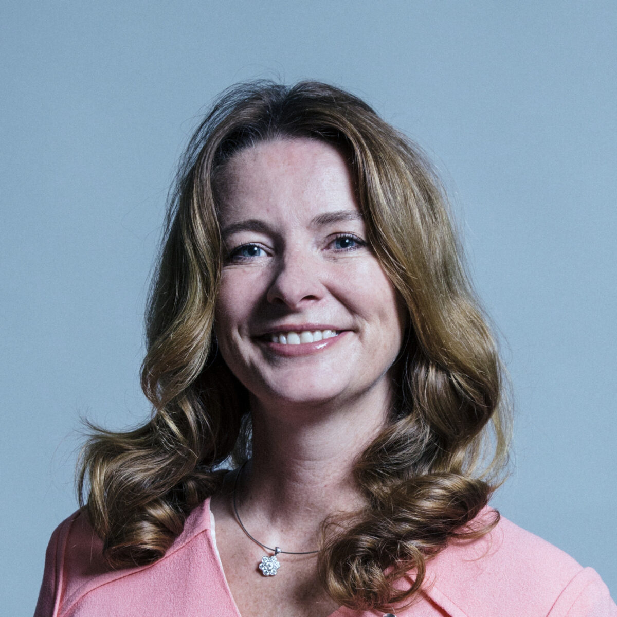 Gillian Keegan : UK Parliament official portrait