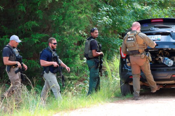police-in-south-carolina-search