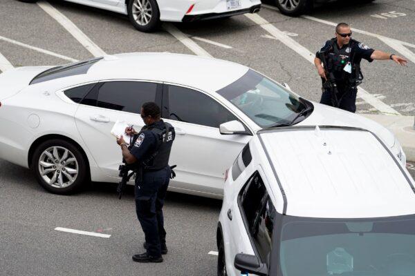 Pentagon Police officers