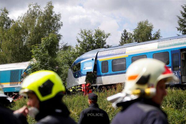 train-crashed-in-czech