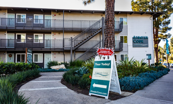 An apartment complex displays leasing opportunities in Costa Mesa, Calif., on Nov. 16, 2020. (John Fredricks/The Epoch Times)