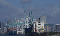 Shipping Snags Prompt US Firms to Mull Retreat From China