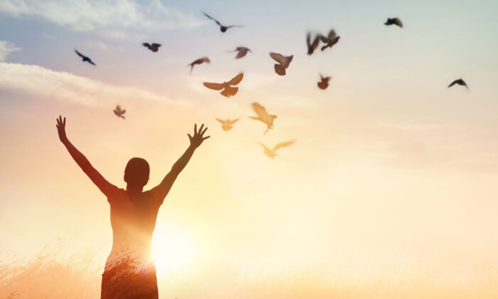 Grudges, guilt, or fear may be stopping us from living gracefully and moving forward from past injury. (PopTika/Shutterstock)