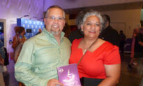 Texans Agree: Can't Get Enough of Shen Yun