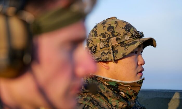 Members of South Korea and U.S. Special forces take part in a joint military exercise conducted by South Korean and U.S. special forces troops at Gunsan Air Force base in Gunsan, South Korea, on Nov. 14, 2019. (Capt. David J. Murphy/Handout via Reuters)