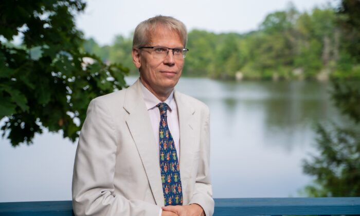 Dr. Martin Kulldorff, a professor of medicine at Harvard Medical School and a biostatistician and epidemiologist at the Brigham and Women's Hospital, in Connecticut on Aug. 7, 2021. (York Du/The Epoch Times)