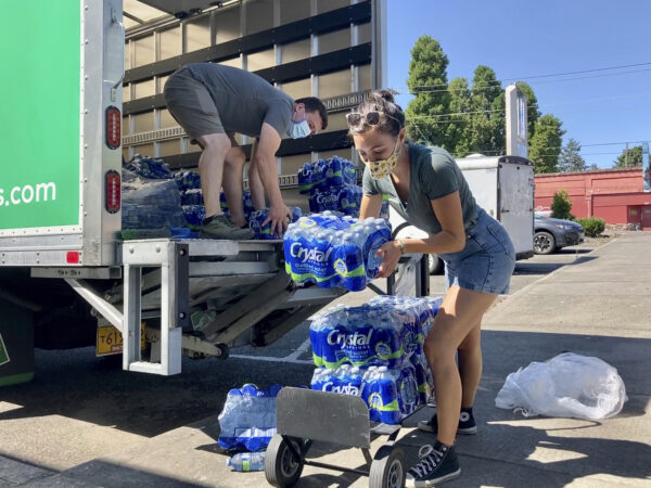 Volunteers and Multnomah County employees