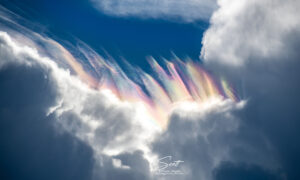 Photographer Captures Stunning Rainbow-Colored 'Cloud Iridescence' Over Storm in Cape Canaveral