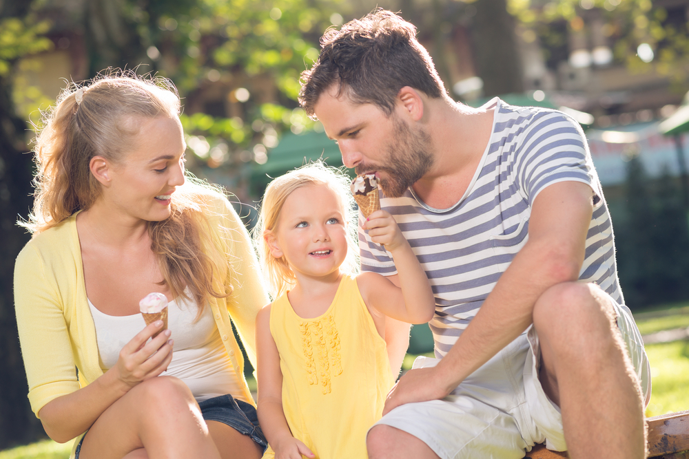 Close-up,Image,Of,A,Young,Happy,Family,Spending,Their,Weekend