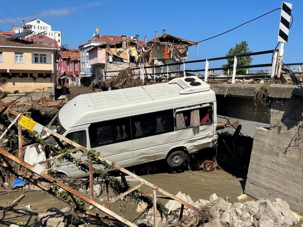 Heavy floods hit Turkey's Black Sea region