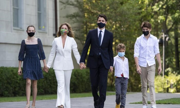 Prime Minister Justin Trudeau arrives with his wife and children to meet with Governor General Mary Simon at Rideau Hall in Ottawa, on Aug. 15, 2021. (The Canadian Press/Justin Tang)