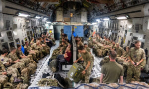 UK to Evacuate 'At Least Hundreds Every Day' From Afghanistan