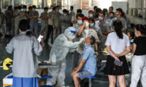 Lockdowns Widen in China as Locals Doubt Official COVID-19 Figures