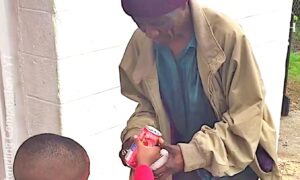 4-Year-Old Boy Bought Food and Drinks for the Homeless