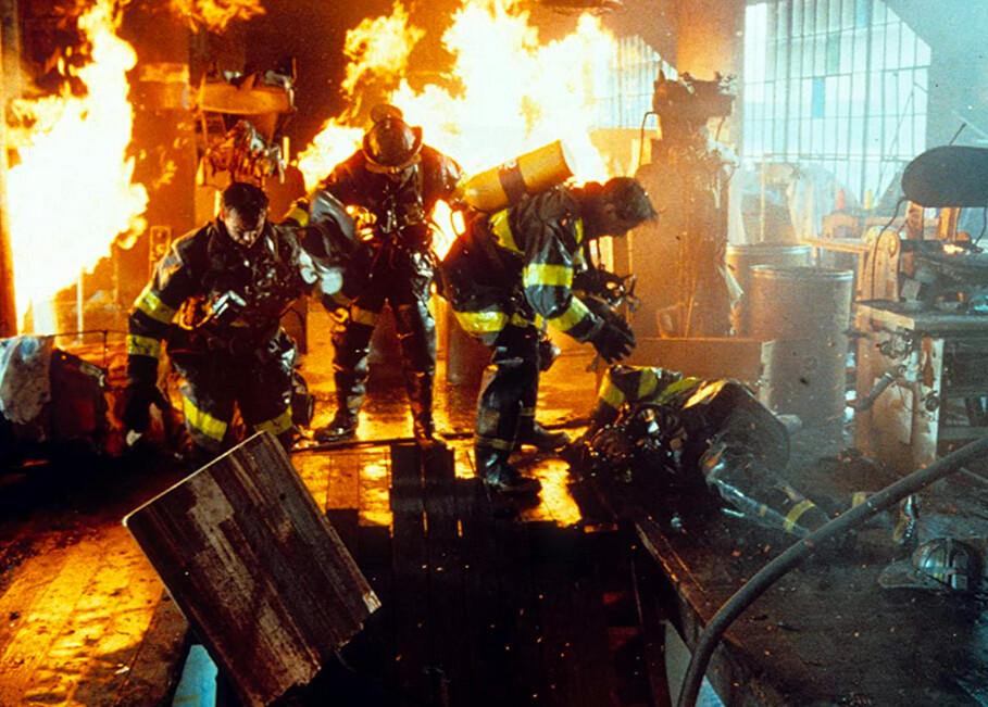 firemen fight fire in BACKDRAFT