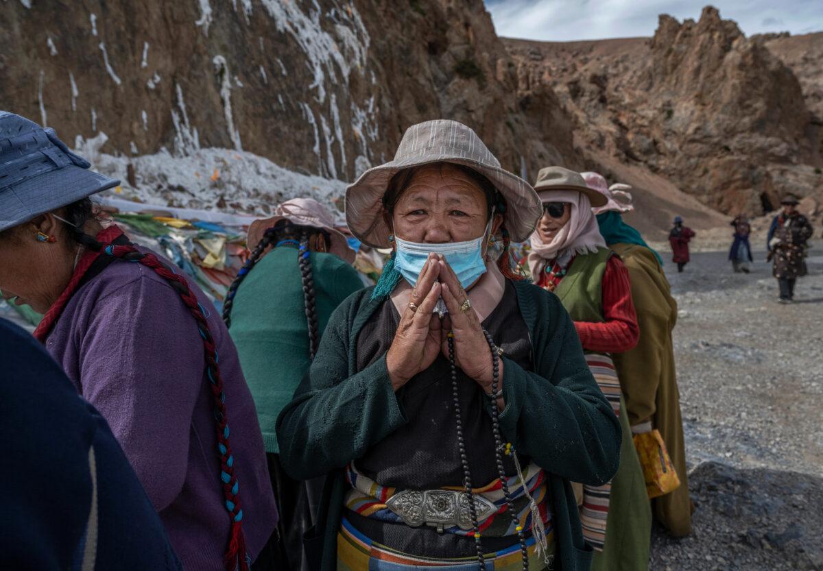 tibet pilgrims