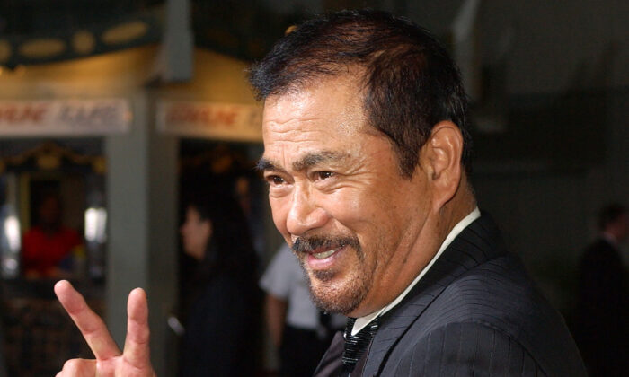 """Japanese actor Sonny Chiba arrives for the premiere of the film """"Kill Bill: Volume 1"""" at the Grauman's Chinese Theatre in the Hollywood section of Los Angeles, Calif., on Sept. 29, 2003. (Kevork Djansezian/AP Photo)"""