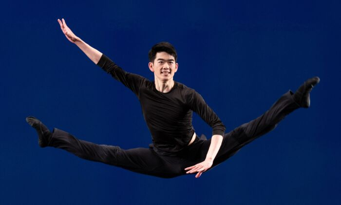 Victor Li competing in the technical part of the NTD TV International Classical Chinese Dance Competition. (Edward Dye)
